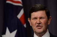 وزير الدفاع الأسترالي عجز عن معرفة اسم زعيم تنظيم الدولة