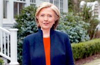 "هيلاري كلينتون تشتري متابعين وهميين على ""تويتر"""