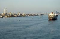 ثلاث سفن تعبر قناة السويس الجديدة بأول تشغيل تجريبي