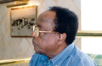 وفاة الشاعر السوداني محمد الفيتوري في الرباط