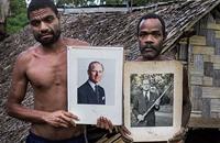 تلغراف: لماذا تؤمن قبائل فانواتو بقدسية الأمير فيليب؟