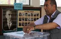 """القبارصة الأتراك ينتخبون """"رئيسا"""" ليفاوض """"اليونانيين"""""""