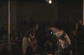 سفينة الحب مسرحية تحكي قصة لاجئين سوريين يبحثون عن حياة جديدة