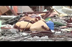 """توقف مظاهر الحياة في مدينة """"بيديرنالس"""" الأكوادورية بعد الزلزالين"""