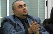هآرتس: وثائق بنما تكشف تورط نجل محمود عباس