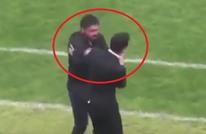 غاتوزو المجنون يثير الجدل بصفعه مساعده بشكل قاس (فيديو)