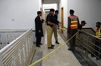 """مقتل طالب باكستاني بيد زملائه بتهمة """"التجديف"""" (فيديو)"""