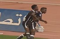 في المغرب.. هتافات عنصرية تدفع لاعبا لمغادرة الملعب (فيديو)