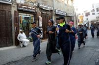 عباءات مناسبة لممارسة الرياضة تلقى رواجا في السعودية