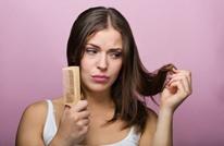 هل تعانين من تقصف أطراف الشعر؟ إليك 5 خلطات طبيعية فعالة