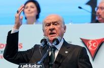 حليف أردوغان يأمر حزبه بتحويل العملة الصعبة لمساندة الليرة