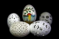 فنان تركي ينقش على بيض الدجاج باحترافية (صور)