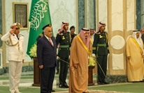 بلومبيرغ: هل تنجح السعودية بكبح إيران عبر العراق؟