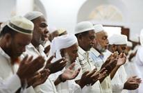 مسلمو سريلانكا يؤدون صلاة الجمعة.. ودعوات للسلام