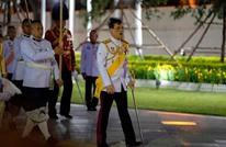 ملك تايلند ينهي حجره الصحي مع 20 من جواريه ويعود لبلاده