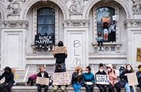 الغارديان: محاربة العنصرية ببريطانيا تفرض عدم التغطية عليها