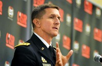 إحالة مدير الاستخبارات الأمريكية ومساعده للتقاعد
