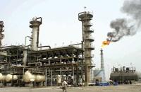 النفط يتراجع خمسة بالمائة مع ارتفاع المخزون الأمريكي