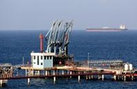 توترات ليبيا وأوكرانيا تدعم بقاء النفط فوق 100 دولار
