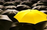 الشرطة البريطانية توقف رجلاً بسبب.. مظلة
