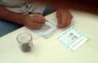 جنود مصريون يزورون الانتخابات للسيسي (فيديو)