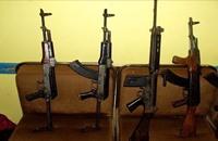 الغارديان: لماذا يحب الجهاديون الكلاشينكوف؟