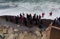 محبو ركوب الأمواج يتصدون لمشروع توسيع طريق على سواحل بيرو