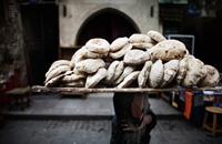 مصريون يعجزون عن توفير احتياجاتهم بعد جنون الأسعار