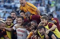 روما يكتسح باليرمو بخماسية ومحمد صلاح يسجل هدفين (فيديو)