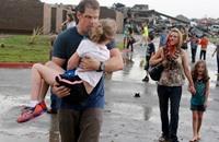 إصابات إثر اجتياح أعاصير وفيضانات لأوكلاهوما سيتي