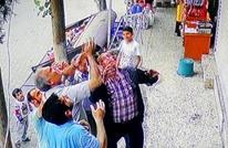 لقطات مثيرة لإنقاذ طفلة تركية سقطت من شرفة منزلها (فيديو)