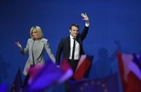 """لوبان تنشر """"صورة فاضحة"""" لرئيس فرنسا.. والأخير يرد (شاهد)"""
