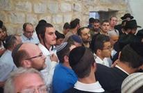مئات المستوطنين يقتحمون الأقصى بحماية الجيش (شاهد)