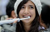 كيف تعتني بأسنانك.. ولماذا يجب تنظيفها دائما قبل النوم؟