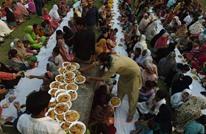 رمضان ينعش تجارة أكشاك الطعام الشعبي بباكستان