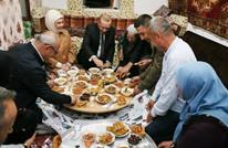 هكذا استقبلت عائلة تركية أردوغان على مائدة الإفطار (شاهد)