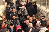 الاحتلال يشدد إجراءاته حول الأقصى ويمنع المصلين من الوصول