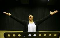 مغنية كويتية تسعى إلى تغيير نظرة بلادها للغناء الأوبرالي