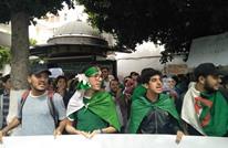 تظاهرات لطلبة الجزائر تدعو لرحيل بقايا نظام بوتفليقة (شاهد)