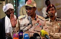 """المعارضة تتهم """"العسكري"""" بإقامة علاقات مشبوهة مع الخارج"""