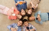 تعرف على إيجابيات وسلبيات استخدام الأطفال للهواتف الذكية