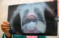 بزنس إنسايدر: مصر تتهم الأطباء بتفاقم كورونا وتعتقلهم