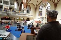 مسلمون بألمانيا يؤدون الجمعة في كنيسة.. لهذا السبب (شاهد)