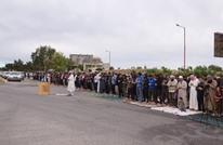 """أنصار """"تحرير الشام"""" يؤدون صلاة العيد على """"M4"""" بإدلب (صور)"""