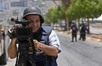 وكالة أمريكية تفصل مصورا فلسطينيا تضامن مع زملاء معتقلين