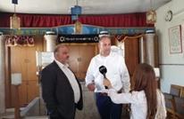 منصور عباس يزور رئيس بلدية اللد ويثير غضب فلسطينيي الداخل