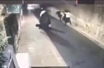فيديو يوثق اعتداء المستوطنين على رجال دين مسيحيين بالقدس