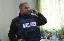 كيف احتفى سكان غزة بمراسل قناة الجزيرة بعد التهدئة؟ (فيديو)