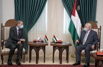 وزير خارجية الأردن يلتقي عباس ويناقش جهود إعادة إعمار غزة