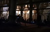 الاحتلال يفصل الكهرباء عن الأقصى.. ويحاصر المعتكفين (فيديو)